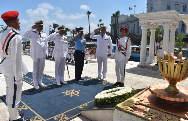 Wreath laying  by ship Captain at Alexandria Unknown Soldier Monument